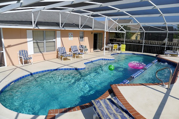3 Bed Florida Villa sleeps 6. Private Pool/Spa. Wi-Fi.