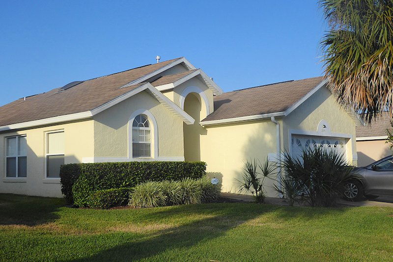 3 Bed Florida Villa sleeps 6. Private Pool & Spa. Wi-Fi. Games Room.